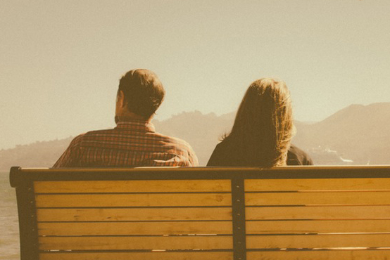 hombre y mujer en separacion